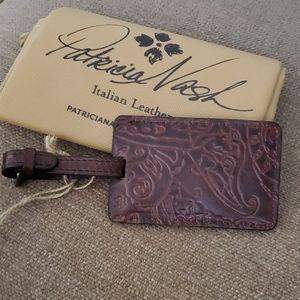 Patricia Nash Bagagli brown luggage tag